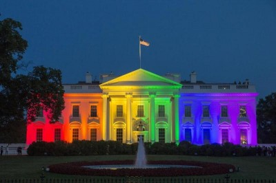 white_house_pride_colors